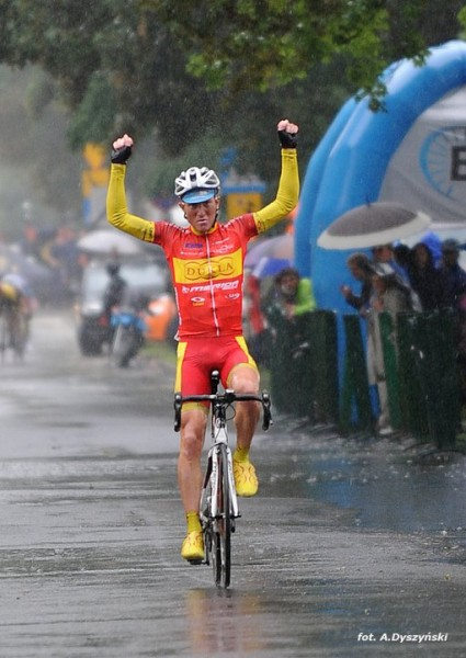 Stage 1: Matej solos to stage win 12 sec. ahead of main bunch in Nowy Dwor Mazowiecki